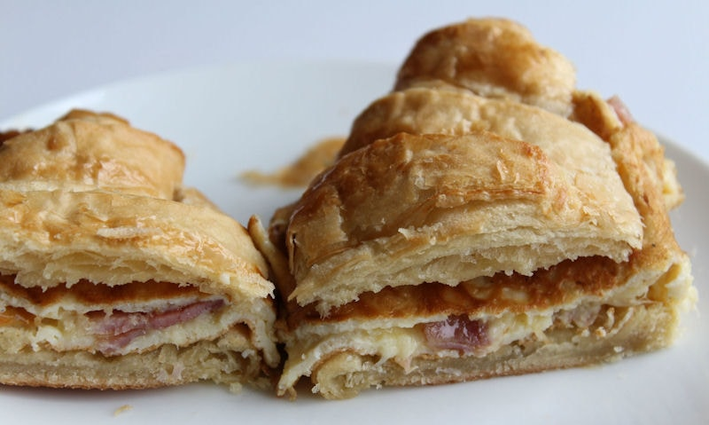 Bacon & Cheese Omelette Croissant Recipe