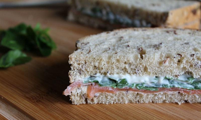 Healthy Smoked Salmon & Spinach Sandwich Recipe
