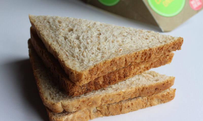 Tesco Cheese & Onion Sandwich, crust
