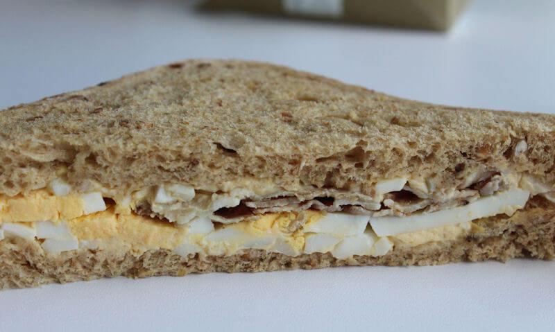 Tesco Egg & Bacon Sandwich, single slice
