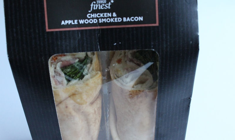 Tesco Finest Chicken Applewood Smoked Bacon Flatbread, packaging
